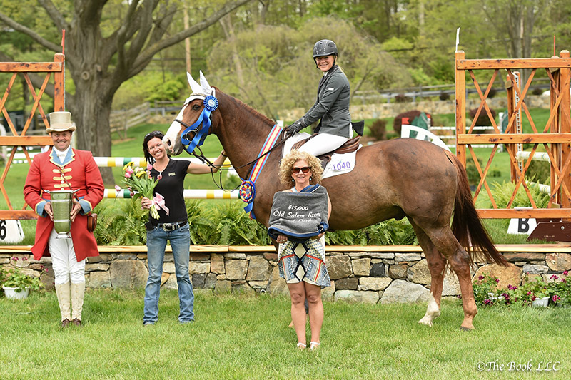 Penny Brennan and Sun Tzu in their winner's presentation with Lisa Schultz of TownVibe, along with Brennan's groom and ringmaster Alan Keely; photo © The Book