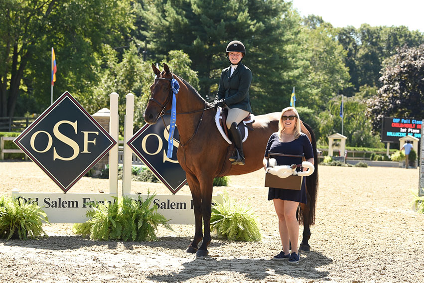 Jayme Shapiro won the Child/Adult Hunter Derby riding Kallucini de Shalimar at the Old Salem Farm Fall Classic. Photo by SEL Photography